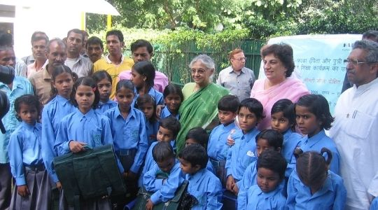 Inauguration of Deepalaya FADA project by chief minister Ms Shiela Dixit in 2009